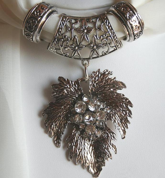 Scarf Jewelry Detailed Silver Metal Rhinestone Leaf Scarf Pendant