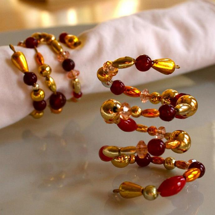 Beaded Napkin Rings Red (Set of 4)