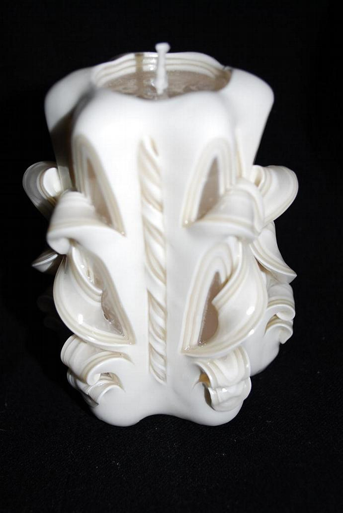 Hand Carved White Single  Bow Candle