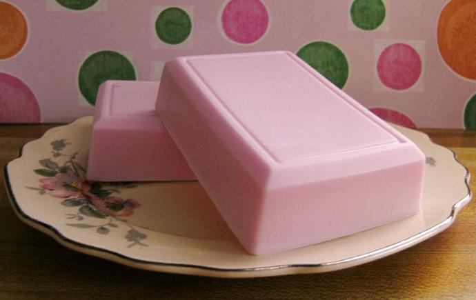 Luscious EXTRA Creamy BLACK CHERRY BLAST Soap (VEGAN Friendly) Loads of creamy