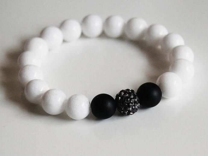 Black and white Bracelet - White Agate and Matte Black Onyx Beaded Bracelet -