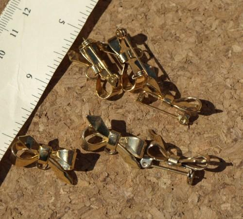 Gold-toned Bow Pins 10-1453