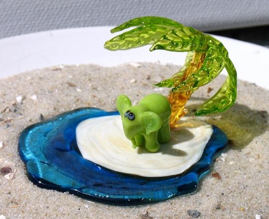 Miniature Glass Figurine - Elephant Island