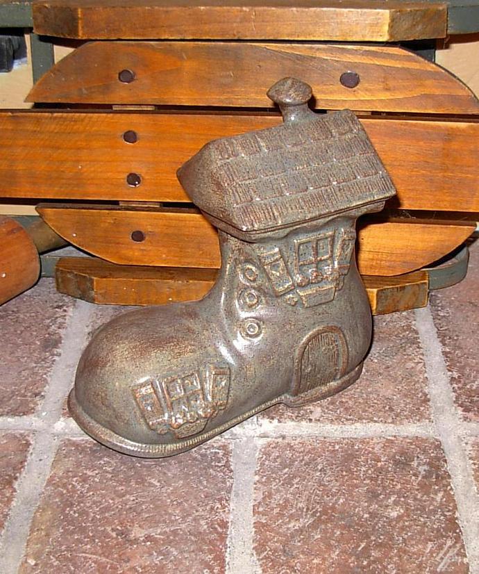 Garden Shoe - Garden Accent - Shoe Piggy Bank