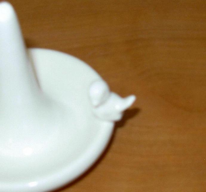 Sink Side Ring Holder - Round  in  White with a bird