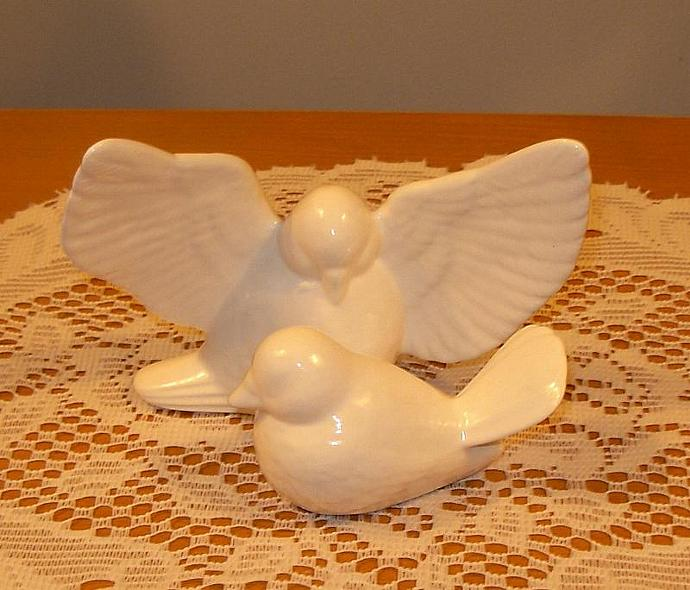 "Ceramic Love Doves Wedding Cake Topper Bird Figurines   -   ""Classic White"""
