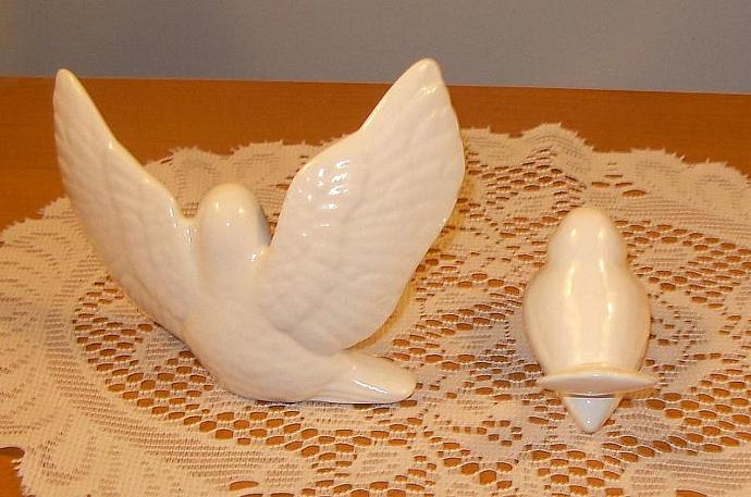 "Ceramic Love Doves Wedding Cake Topper Bird Figurines   -   ""Classic White"""