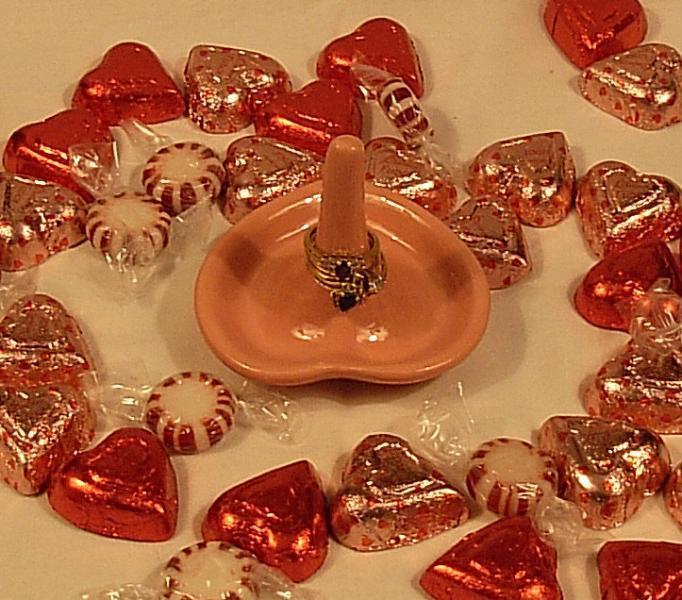 Sink Side - Heart Ring Holder - Pink