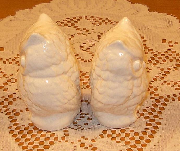 Hoot -- Ceramic Owl Wedding Cake Toppers / Owl Figurines -  Classic White