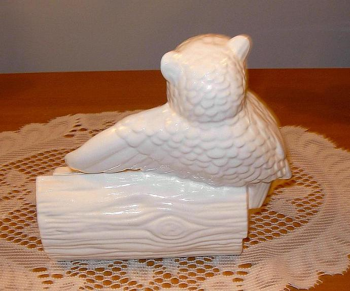 Ceramic Owl Business Card Holder - Classic White - Vintage Design