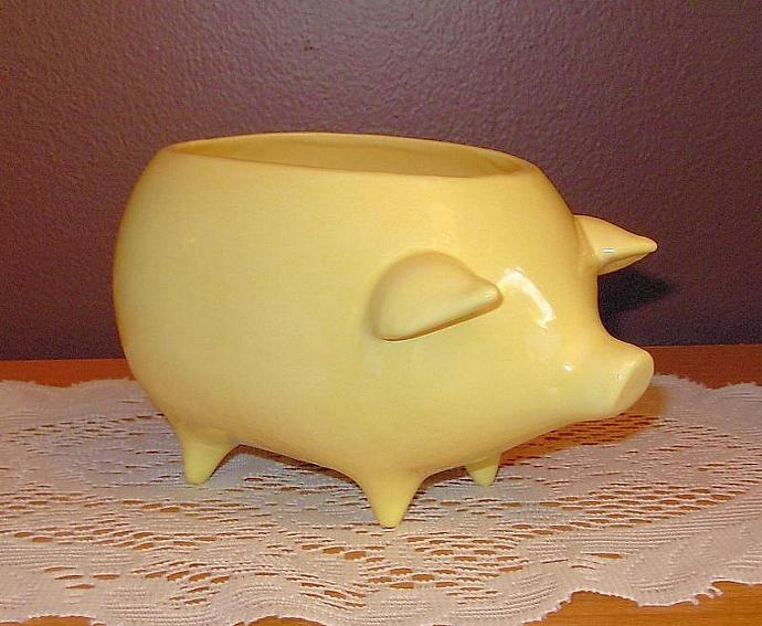 Ceramic Pig Planter / Soap Dish / Scrubby Holder - Lemon Yellow