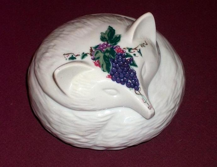 Vintage 1981 Elizabeth Arden Southern Heirlooms Porcelain Fox Trinket Box