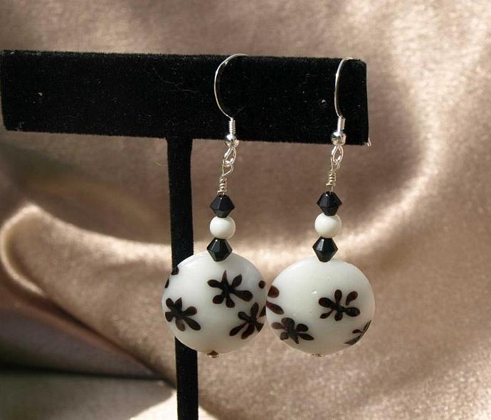 Black on White Flowered Earrings -9009