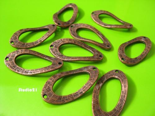 10 pcs of Tibetan Red Copper Finish 2-Hole Carved Large Oval Link