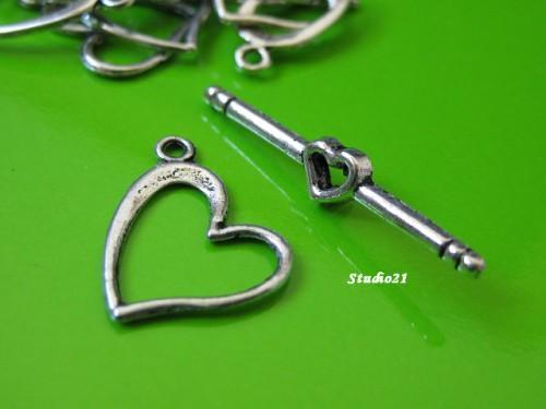 20 sets of Tibetan Antique Silver Finish Heart-Shape Toggle Clasp