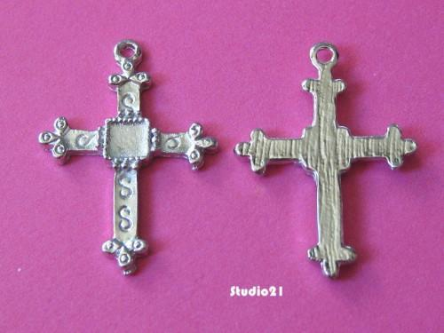 20 pcs of Antique Silver Finish Cross Charm/Pendant