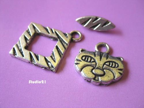 10 sets of Tibetan Antique Silver Finish Kitty 3-Piece Toggle/Clasp