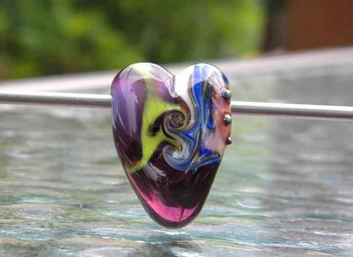 Heart shaped glass lampwork bead