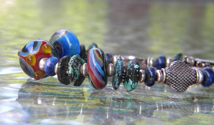 Turquoise and glass bead bracelet