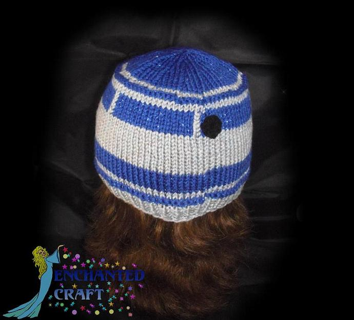 Hand Knitted Glamor R2-D2 Hat for the fan of Star Wars