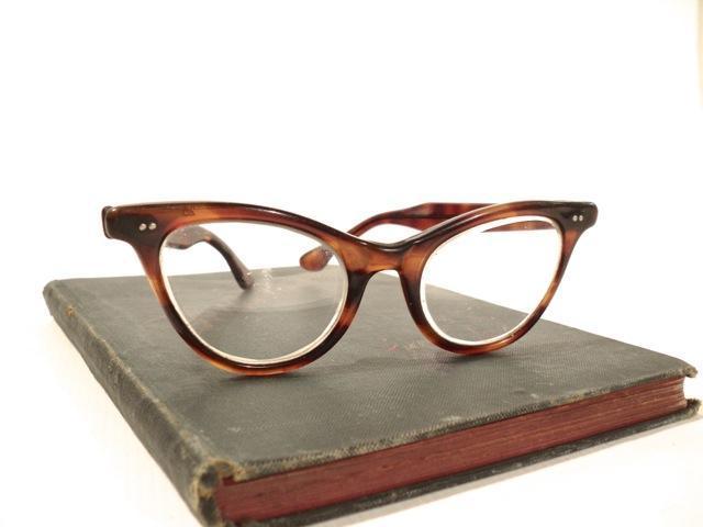 3aa51adcbc Vintage Cat Eye Glasses Tortoise by PerfectPatinaVintage on Zibbet