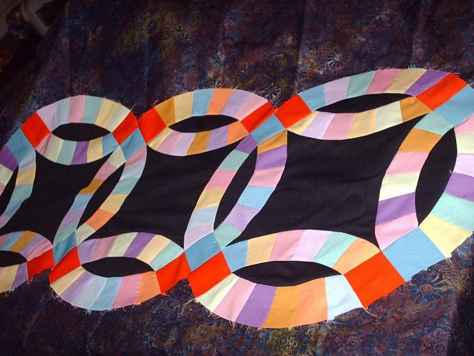 Double Wedding ring table runner quilt top