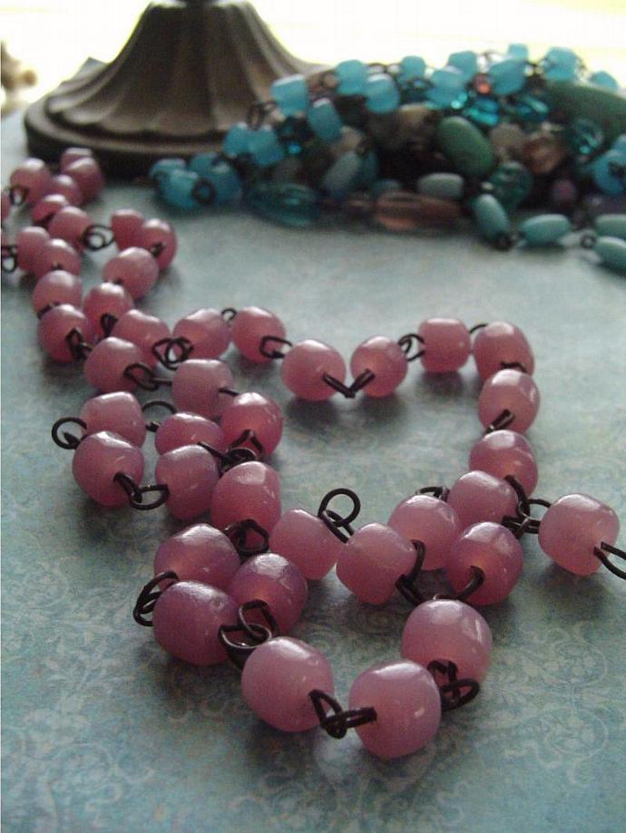 ItaliaN PiNk Opaline MaCaRoni Glass Beaded Chain Aged Dark Patina wire links