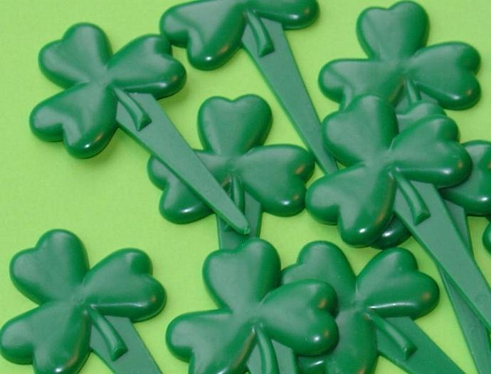 Amy Sedaris would love these shamrock cupcake picks / SPECIAL SALE