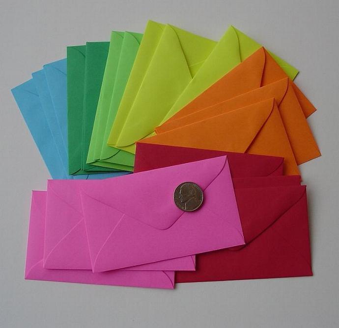 40 green mini envelopes
