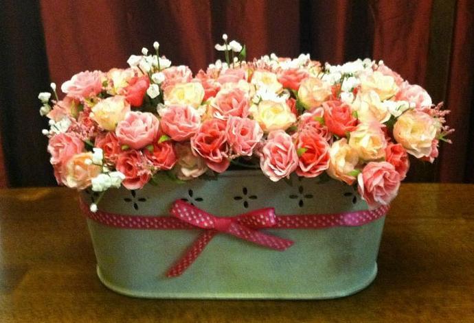Mini Roses in Laoyette Trough