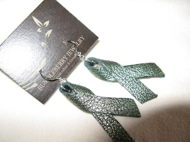 Green  Ribbon Leather Earrings.  Bumbleberry Jewelry