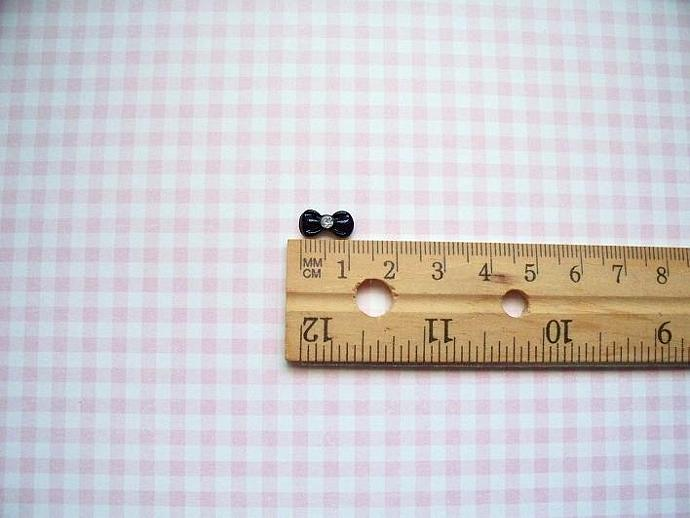 20 pcs. Black Bow Resin Nail Art 12x6mm.