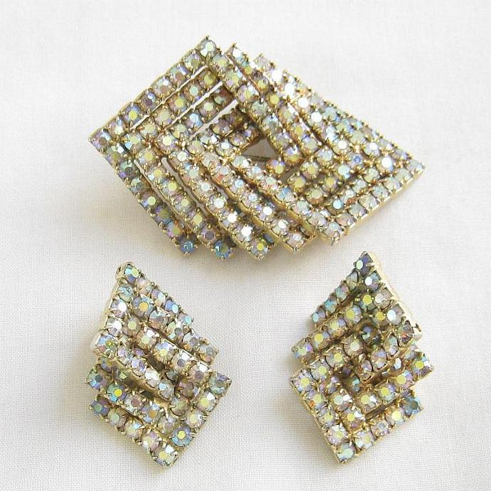 Layered Vintage Aurora Borealis Rhinestones Brooch & Earrings Set