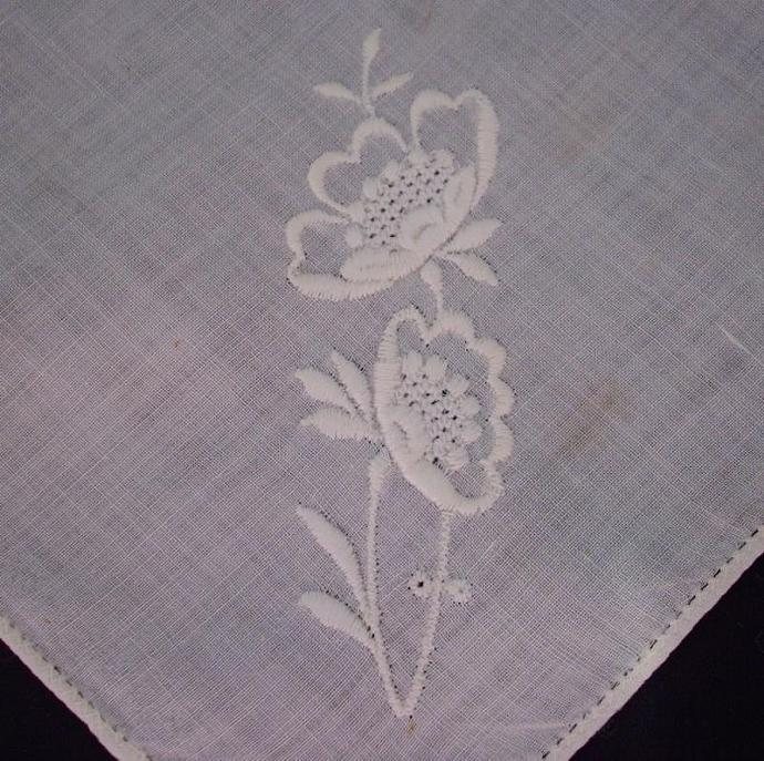 Vintage Handkerchief - white with embroidered poppies
