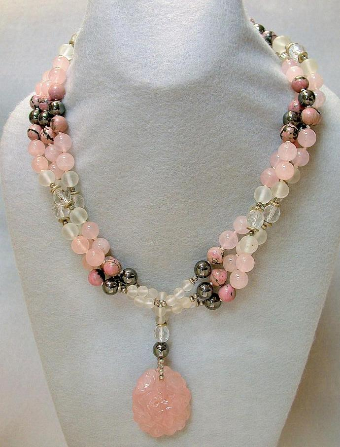 boutique pendant simple quartz en vestibule pink si necklace