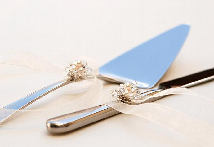 REMOVABLE And Reusable Cake Cutter Set Decoration In SWAROVSKI Crystal And Pearl