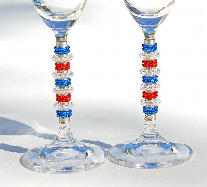 PERSONALIZED ENGRAVED Champagne Flutes, Baseball Glassware, CUSTOMIZED Sports