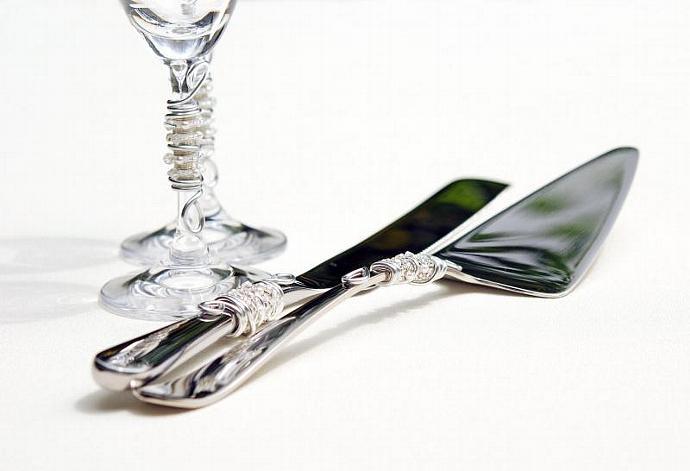 CUSTOM Beaded Wedding Cake Knife And Server Serving Set, Champagne Toasting