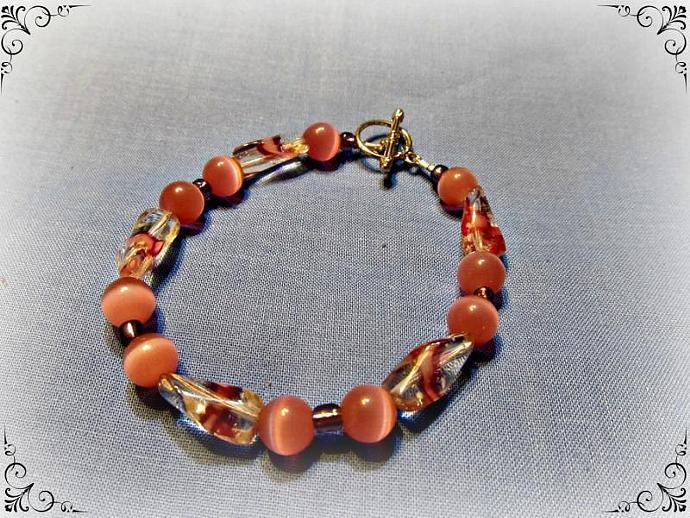 Pink glass bead bracelet, Lady's Bracelet, Jewelry accessories, Glows in the