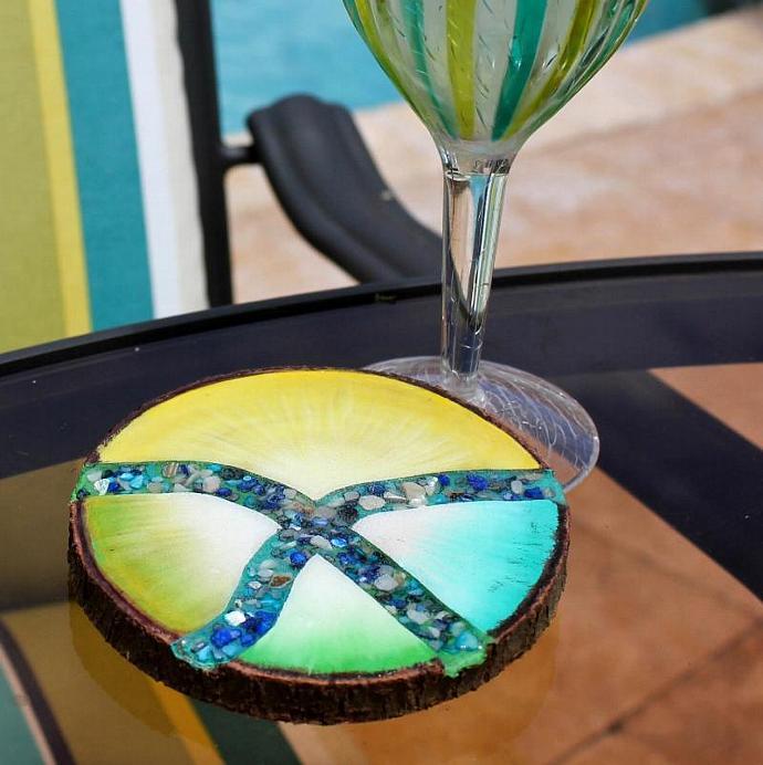 Painted tree slice - Coaster - Wood slice - Bar coaster - Kitchen coaster