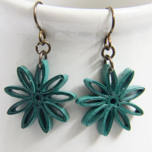 Small Star Earring Dark Emerald Green Nine Pointed Star with Niobium Earring