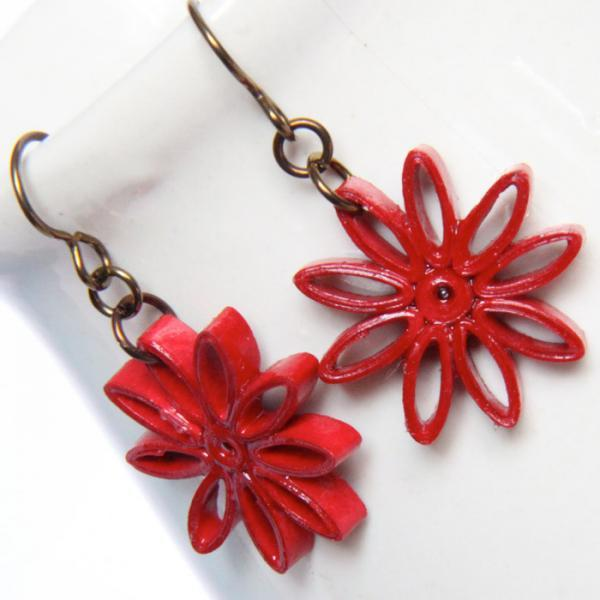 Red Star Earring Nine Pointed Star with Niobium Earring Hooks Paper Quilling Eco