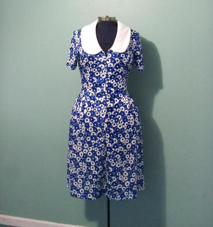Vintage 60s WomensBlue and White Floral Print Day Dress Peter Pan Collar by