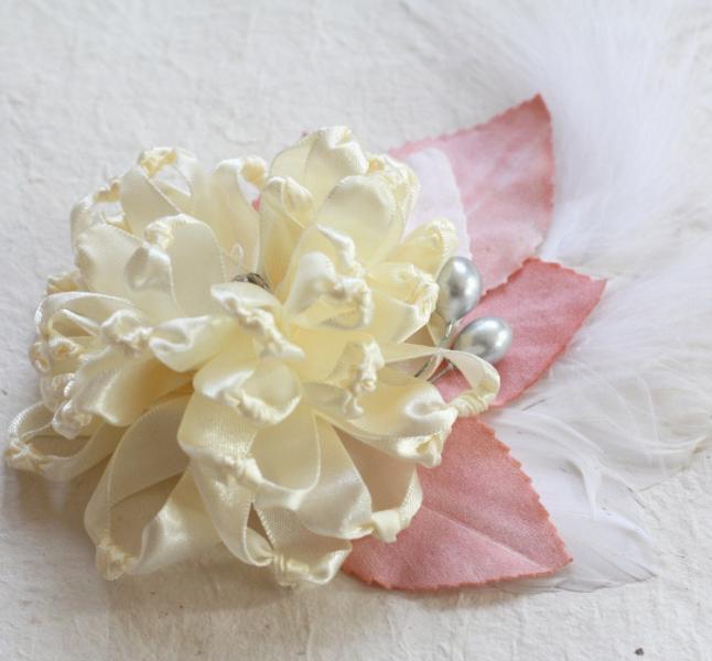 Fabric Flower Pattern Tutorial : by jewelboxballerina on Zibbet
