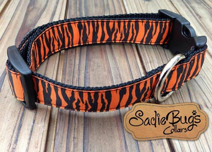 Tiger stripe dog collar