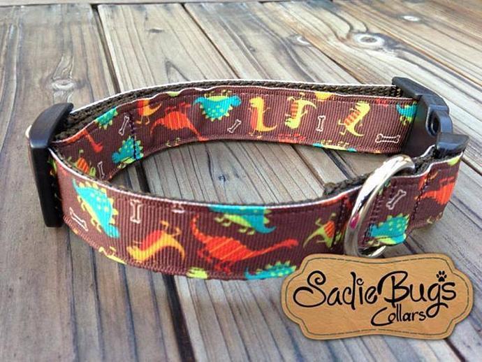 Dinosaur dog collar