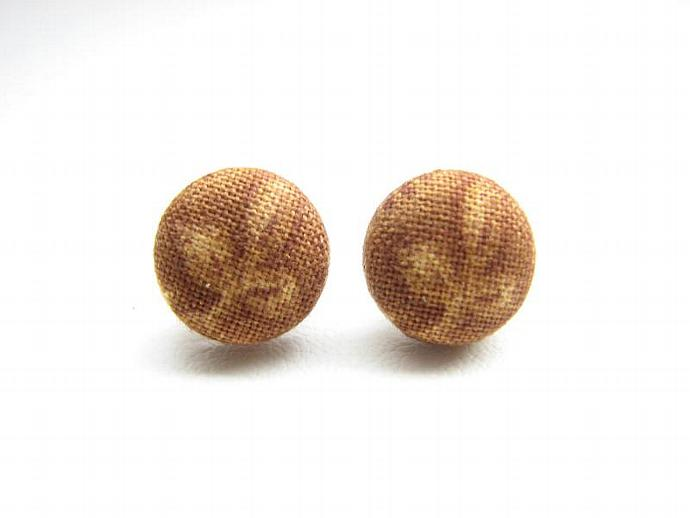 Round Stud Earrings Fabric Wrapped Fleur de Lis Print in Honey Gold