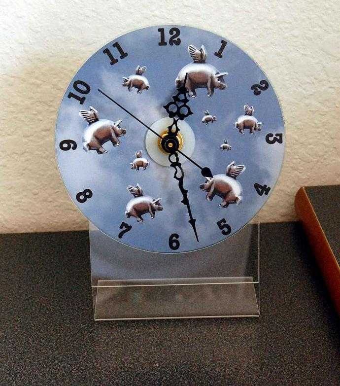 Blue Sky Pigasus CD Desk Clock