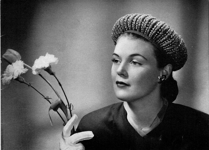 Woman's Halo Hat Crochet Pattern PDF Vintage Pattern / Crochet hat pattern