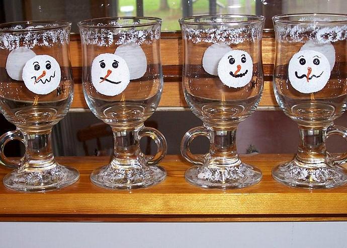 Snowmen Pedestal Mugs